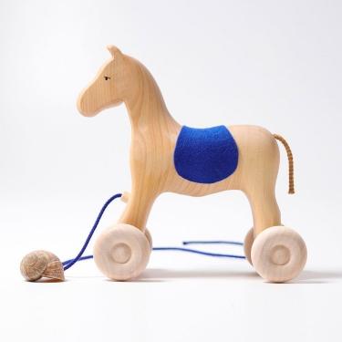 Drewniany Koń na kółkach do ciągnięcia 1+, Grimm's